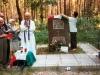 Uciostoie - Fossa comune Campo 56. Messa da campo, celebra Mons. Enelio Franzoni.